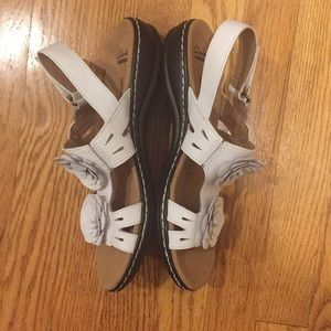 8ff2f5ea8ef Clarks Shoes - Clarks Leisa Claytin White Leather Sandals NWOT